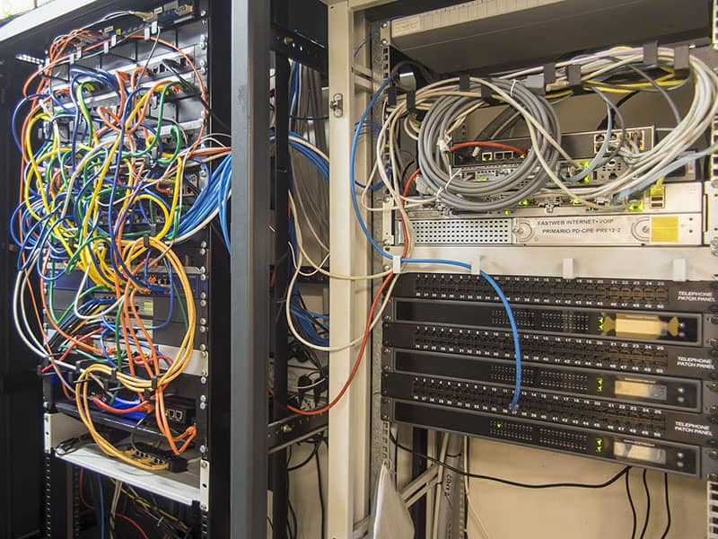 Armadio rack fonia e centralino IP
