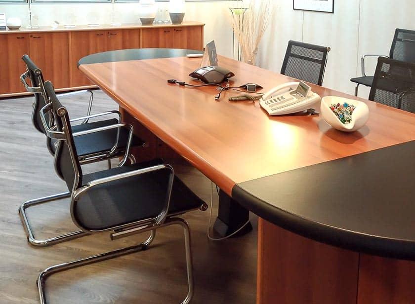 Sala riunioni I-Tronic S.r.l. apparecchi telefonici interni e per audio conferenza