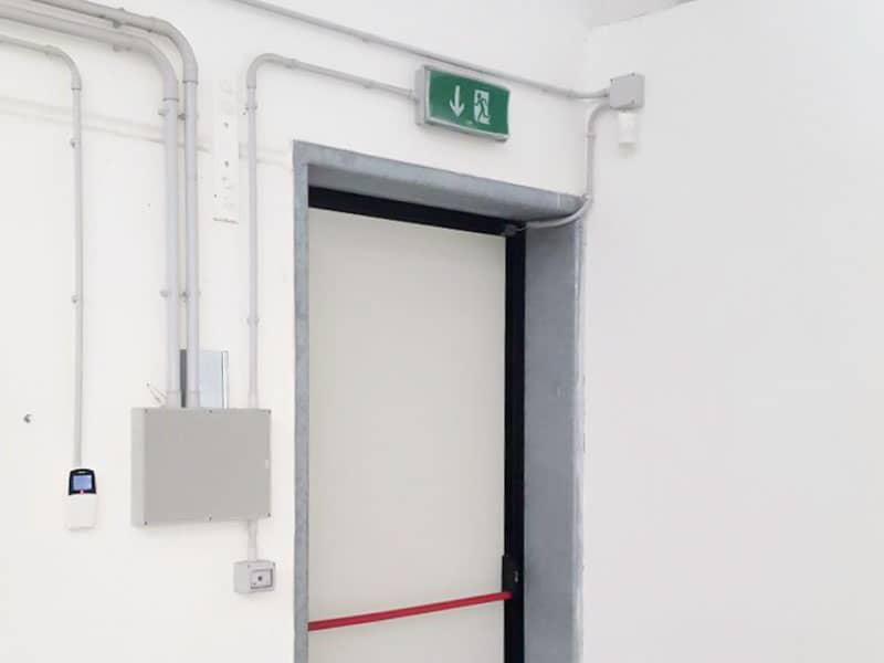 Particolare installazione impianto antintrusione